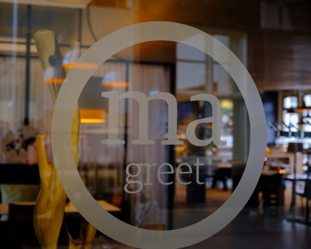 Restaurant, Home